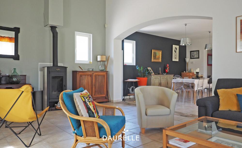 vente Villa T7 à Rognonas avec grand terrain et piscine