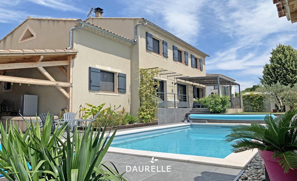 Villa avec 5 chambres piscine et jardin à vendre à Eyragues